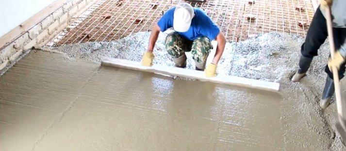 Как сделать ровный пол в гараже из бетона